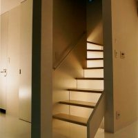 自然光が通る階段