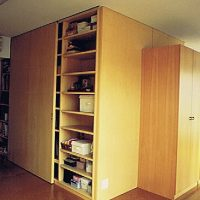 たっぷり収納と、可動性のある空間
